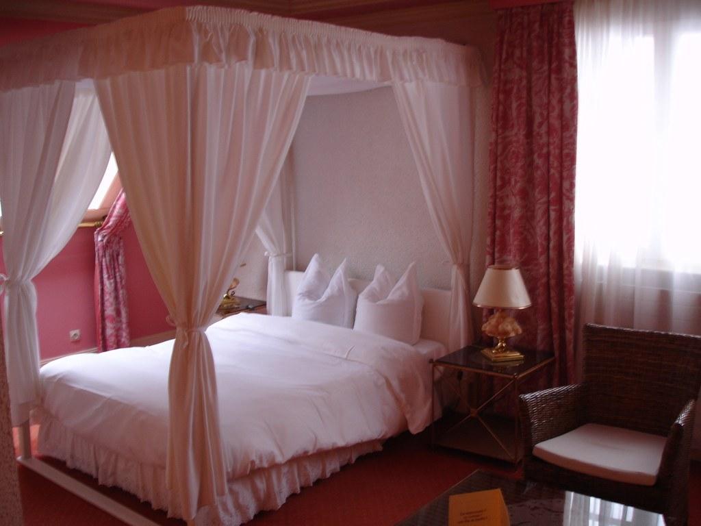 voilage pour lit baldaquin gallery of set de rideaux uebali style cocouc x avec sept boucles. Black Bedroom Furniture Sets. Home Design Ideas