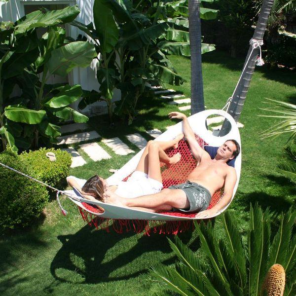 Prolonger l'été avec un hamac dans son jardin