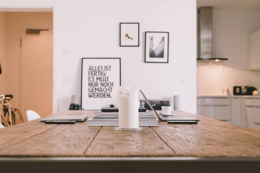 la table dans la décoration