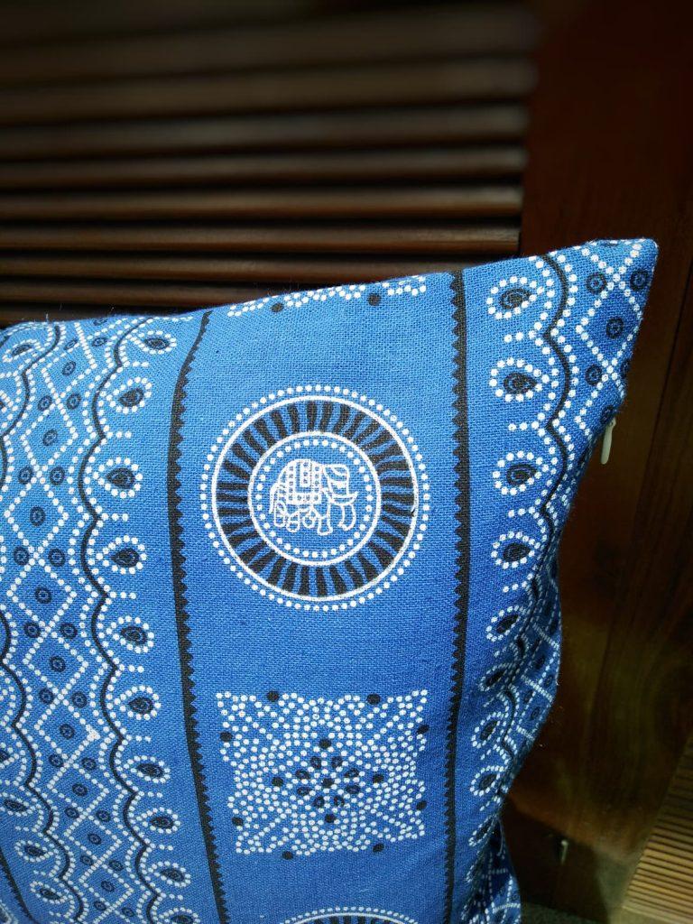 Coussin indigo coton ethnique Hmong